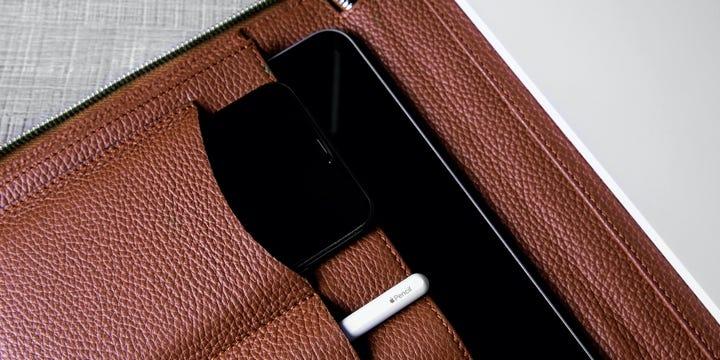 ラグジュアリー A4 ポートフォリオホルダー - Tan - Granulated Leather