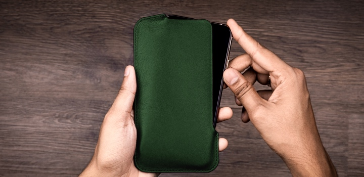 iPhone 11 Pro Max ポーチ - Dark Green - Smooth Leather