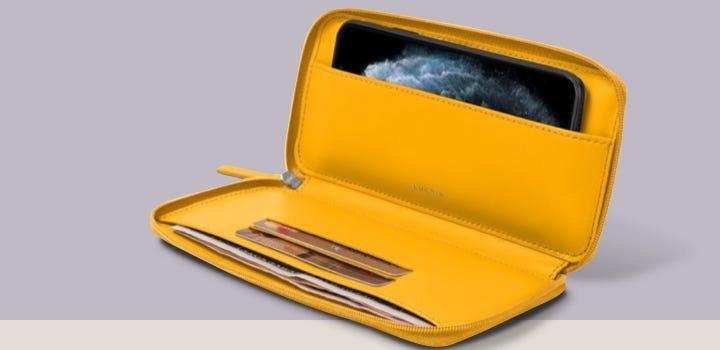 iPhone 11 ジップウォレットケース - Sun Yellow - Smooth Leather