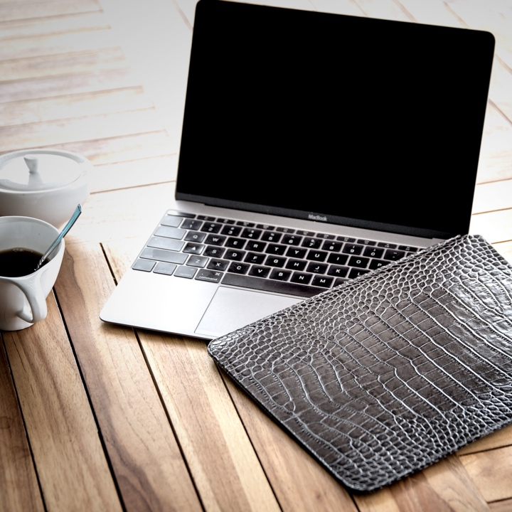 MacBook 12インチ用ケース - Orange - Granulated Leather