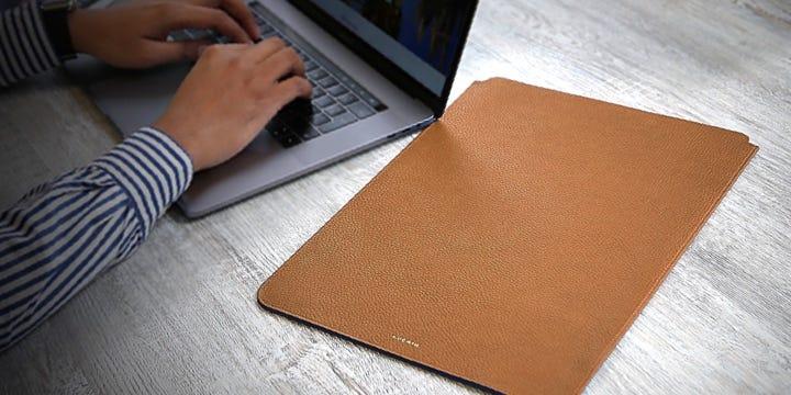 MacBook Pro 16インチ用保護ケース - Tan - Granulated Leather