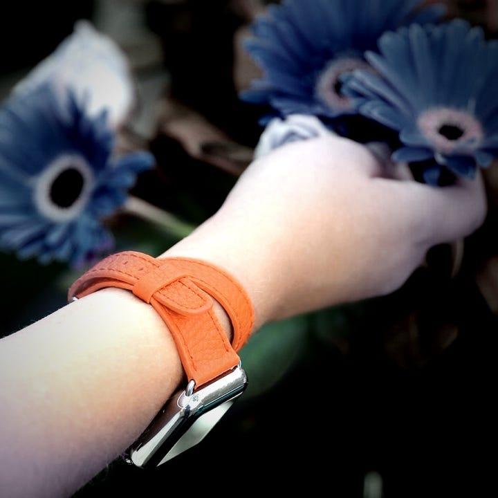 レザードゥブルトゥー Apple Watch シリーズ 4- (40 mm) - Orange - Goat Leather